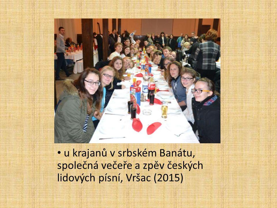 u krajanů v srbském Banátu, společná večeře a zpěv českých lidových písní, Vršac (2015)