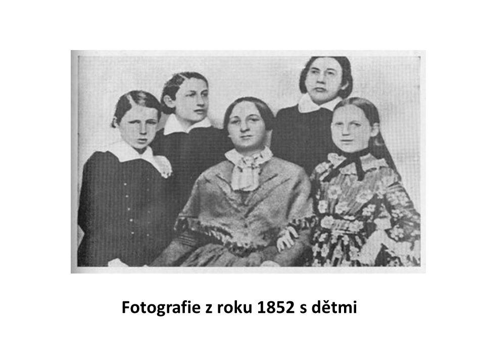 Fotografie z roku 1852 s dětmi