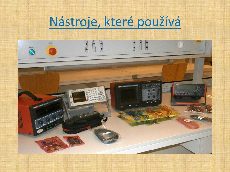2.Autotronik – pracuje v autorizovaných servisech nebo řetězcích autoopraven, např.