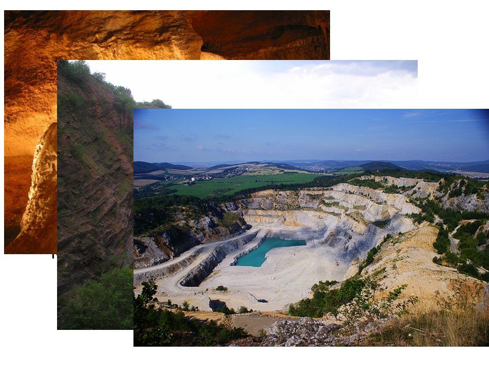 Barrandien Území Barrandienu sahá až k Plzni Známý výskytem fosilií živočichů z období asi před 530 až 325 miliony let Součástí je také Český kras – Koněpruské jeskyně s krasovou výzdobou Těžba nerostných surovin – vápence - lomy Velká a Malá Amerika, velkolom Čertovy schody
