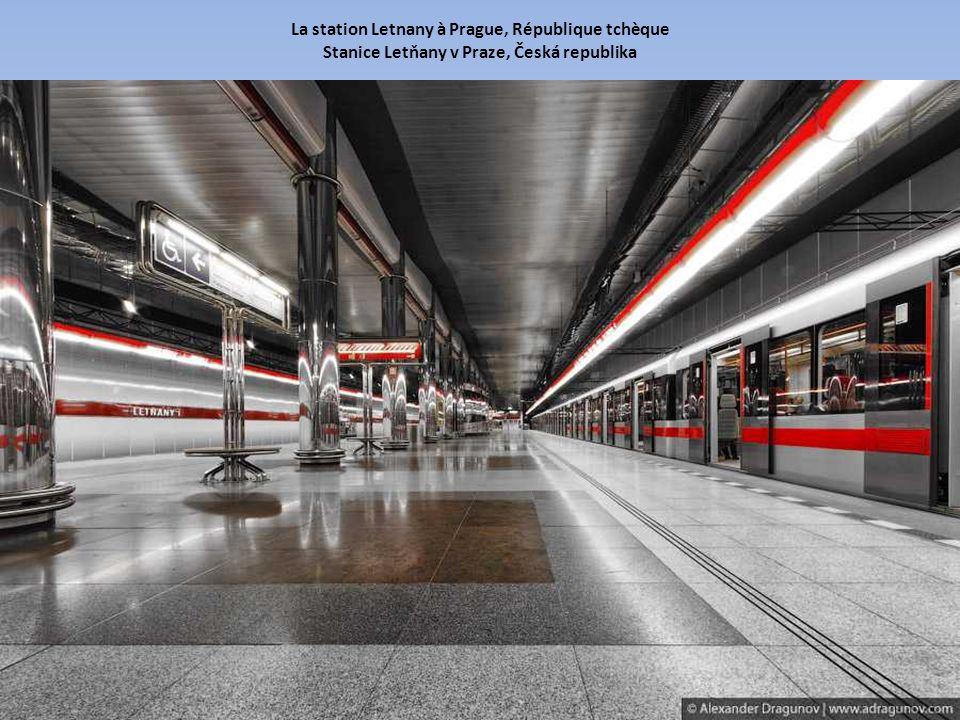 La station Letnany à Prague, République tchèque Stanice Letňany v Praze, Česká republika