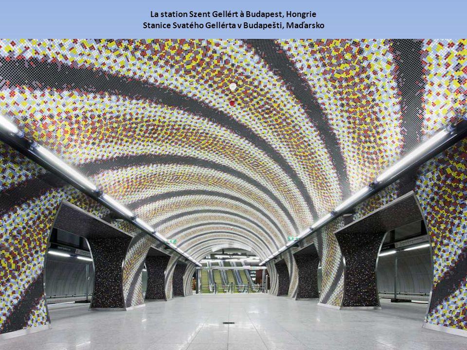 La station Szent Gellért à Budapest, Hongrie Stanice Svatého Gellérta v Budapešti, Maďarsko