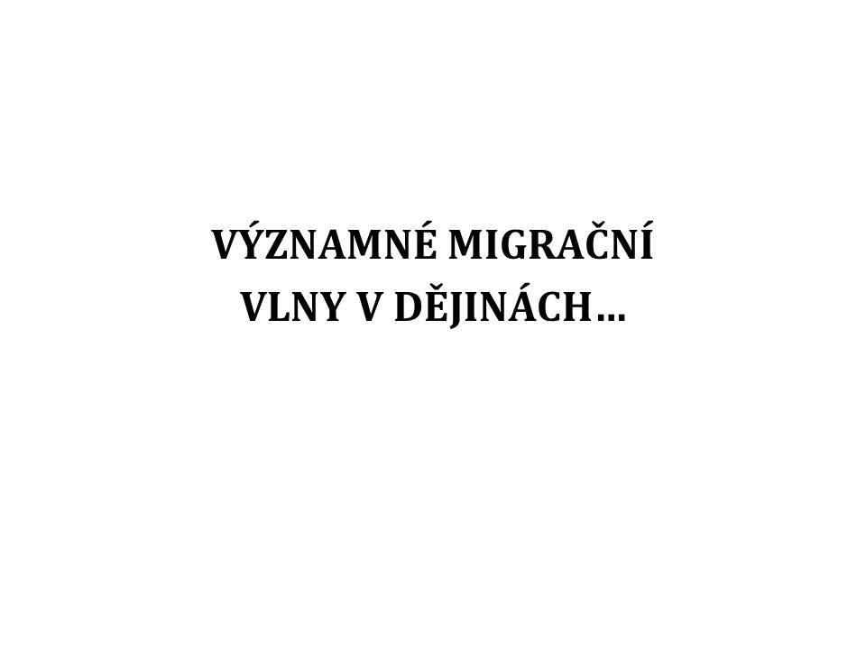 ČESKÁ REPUBLIKA A MIGRAČNÍ KRIZE Česká republika je současnou uprchlickou krizí zasažena spíše nepřímo Několik skupin českých policistů a vojáků například vyjelo na pomoc do jihoevropských zemí, které se potýkaly s hlavní vlnou běženců, v Maďarsku, Srbsku či Chorvatsku navíc pomáhali přímo uprchlíkům také dobrovolníci z ČR V porovnání s předchozími roky se loni (2015) navíc mírně zvýšil počet žadatelů o azyl, včetně lidí prchajících z válkou postižené Sýrie