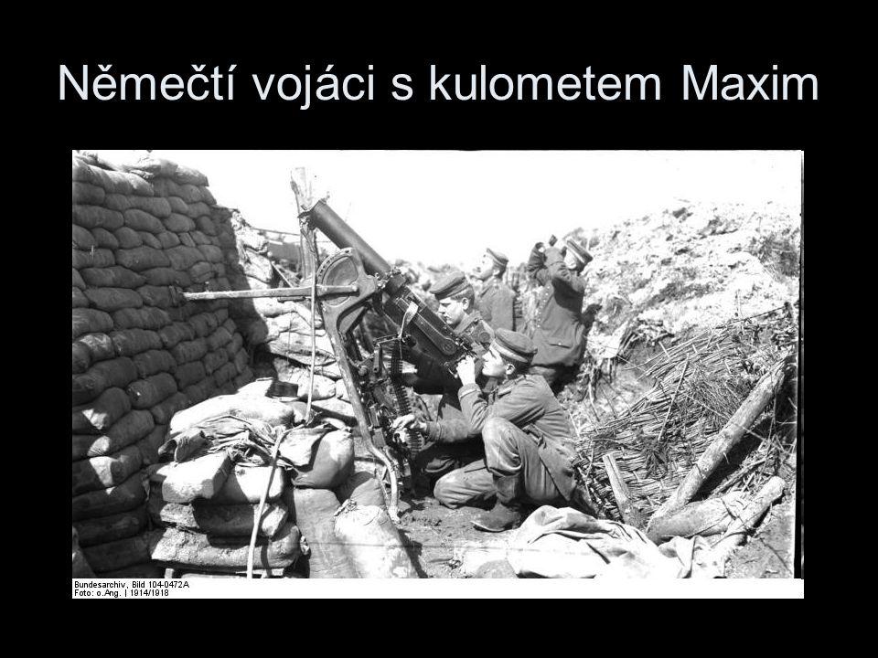 Němečtí vojáci s kulometem Maxim