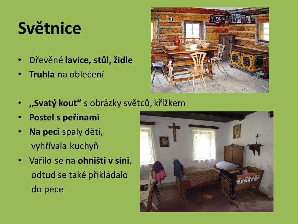 Děvečky A) patří k nejbohatší části obyvatel na vesnici B) pracují za stravu a byt u sedláka C) patří k nemajetné části obyvatel na vesnici D) hospodaří na vlastní půdě