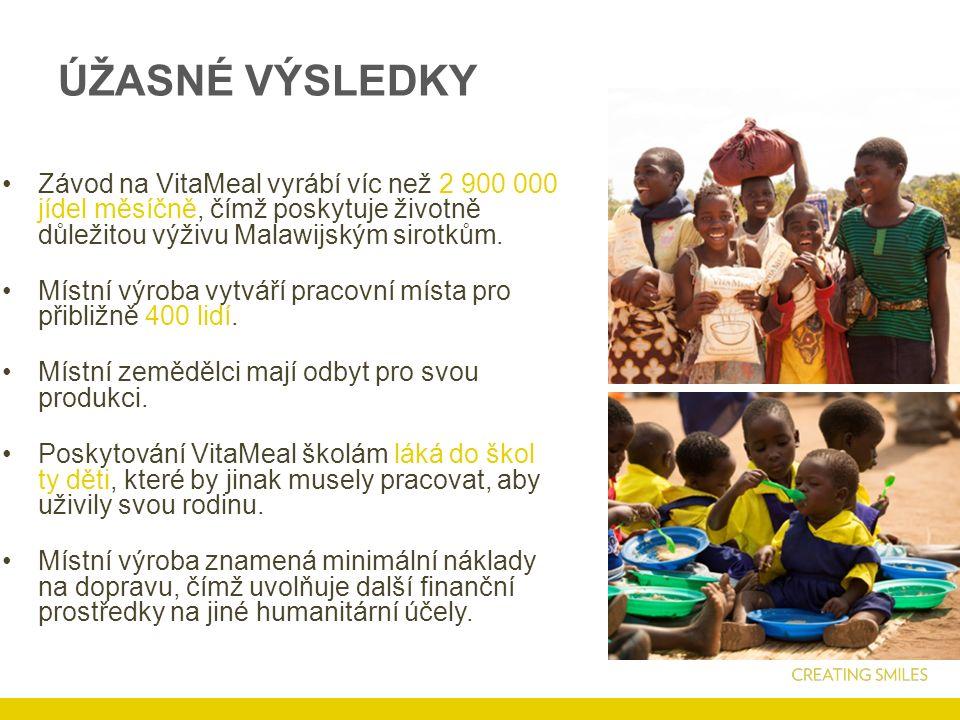 ÚŽASNÉ VÝSLEDKY Závod na VitaMeal vyrábí víc než 2 900 000 jídel měsíčně, čímž poskytuje životně důležitou výživu Malawijským sirotkům.