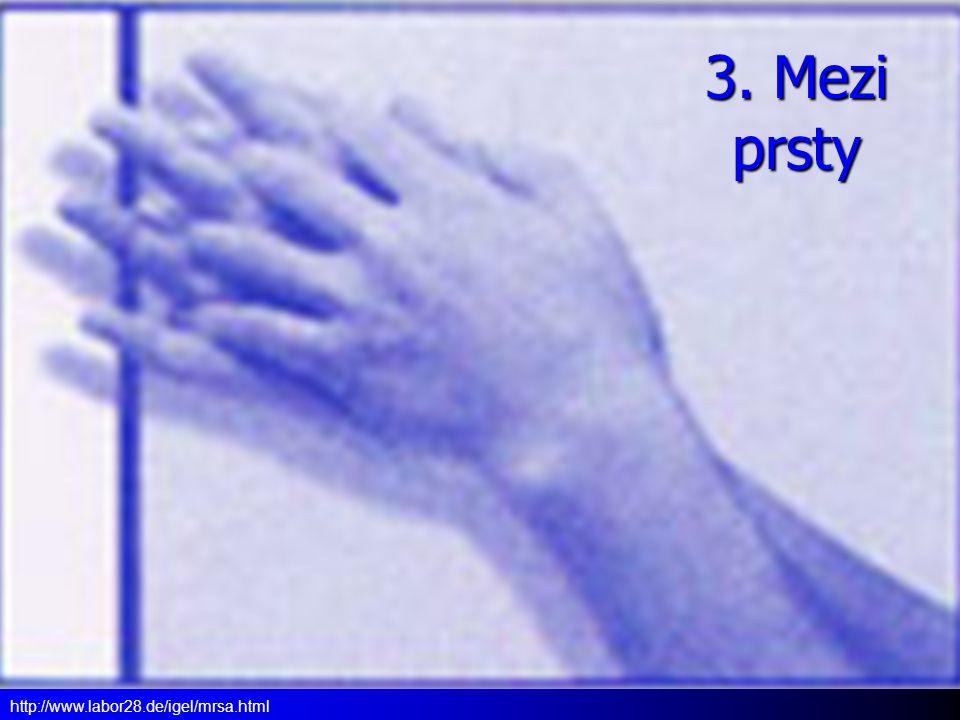 3. Mezi prsty