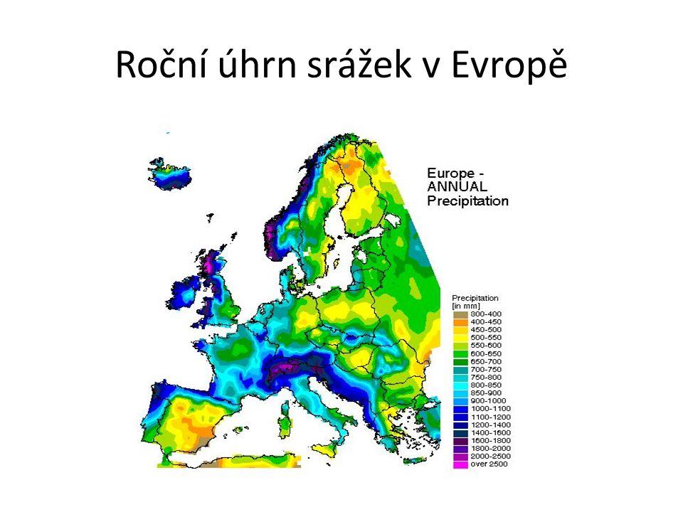 Roční úhrn srážek v Evropě