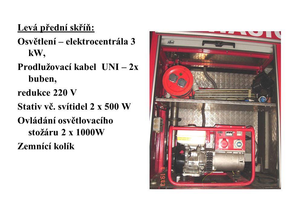 Levá přední skříň: Osvětlení – elektrocentrála 3 kW, Prodlužovací kabel UNI – 2x buben, redukce 220 V Stativ vč.