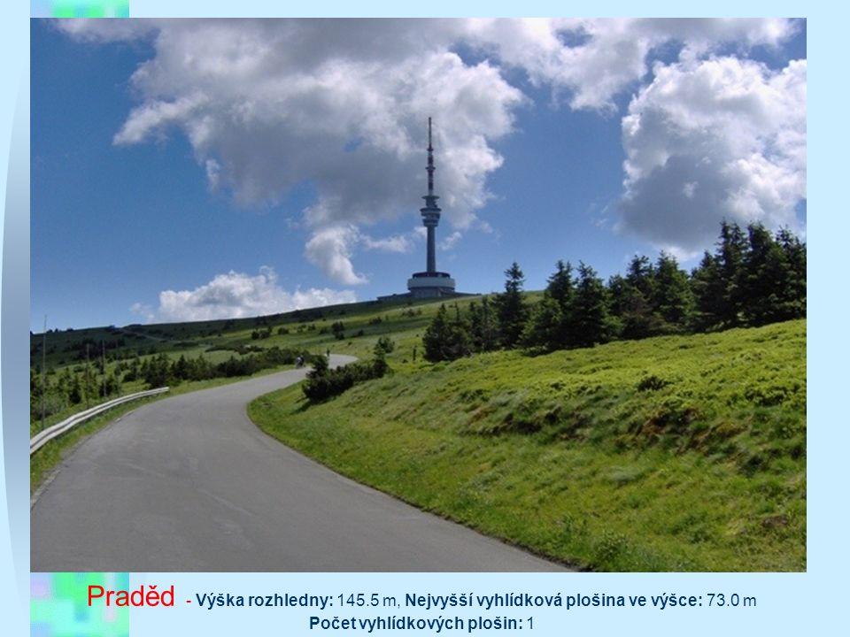Modrá Rozhledna se nachází asi 1,5 k severně od obce Modrá na vrcholu stoupaní nad obcí u vinic při silnici II/428 vedoucí z Modré na Bunč. Odbočku na