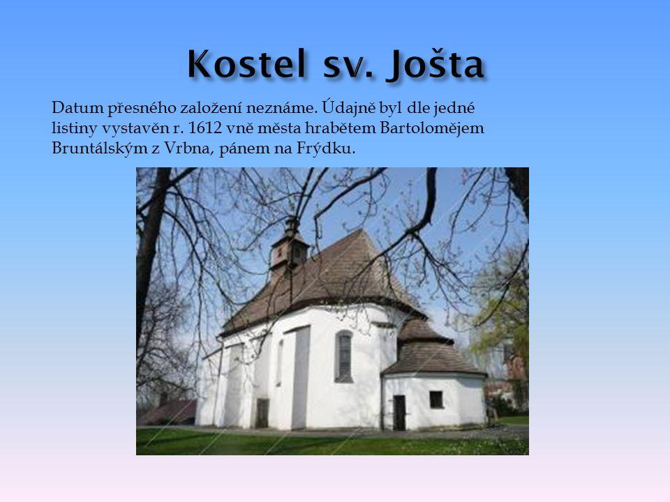 Místecký kostel sv.Jakuba dominující náměstí Svobody je nejstarším ze tří místeckých kostelů.