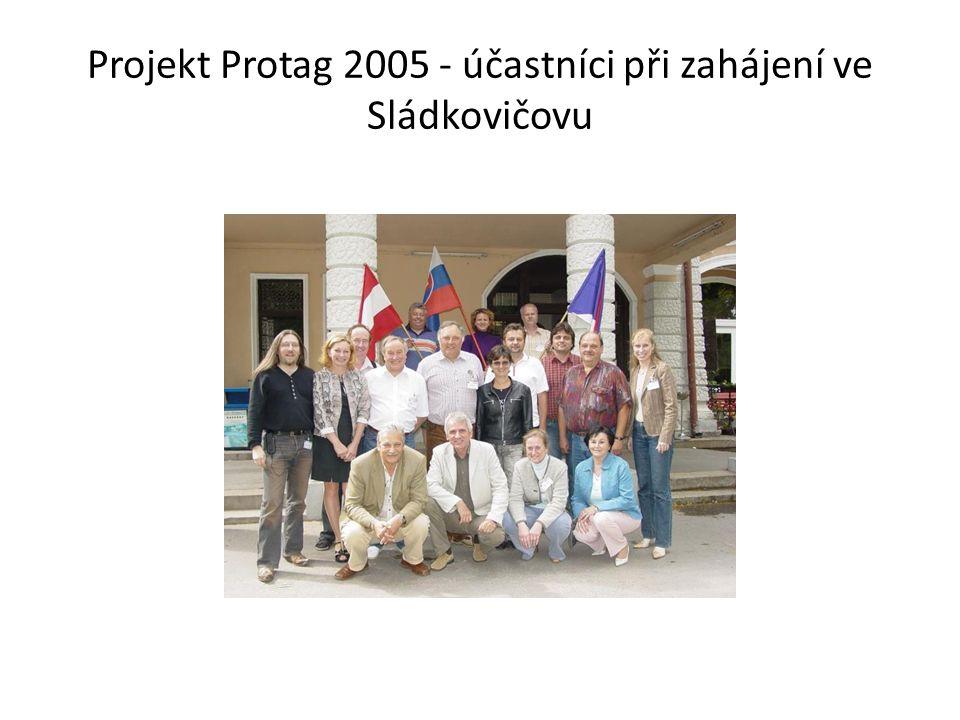 Projekt Protag 2005 - účastníci při zahájení ve Sládkovičovu