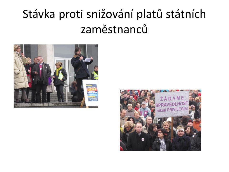 Stávka proti snižování platů státních zaměstnanců