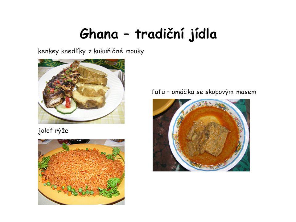 Ghana – tradiční jídla kenkey knedlíky z kukuřičné mouky jolof rýže fufu – omáčka se skopovým masem