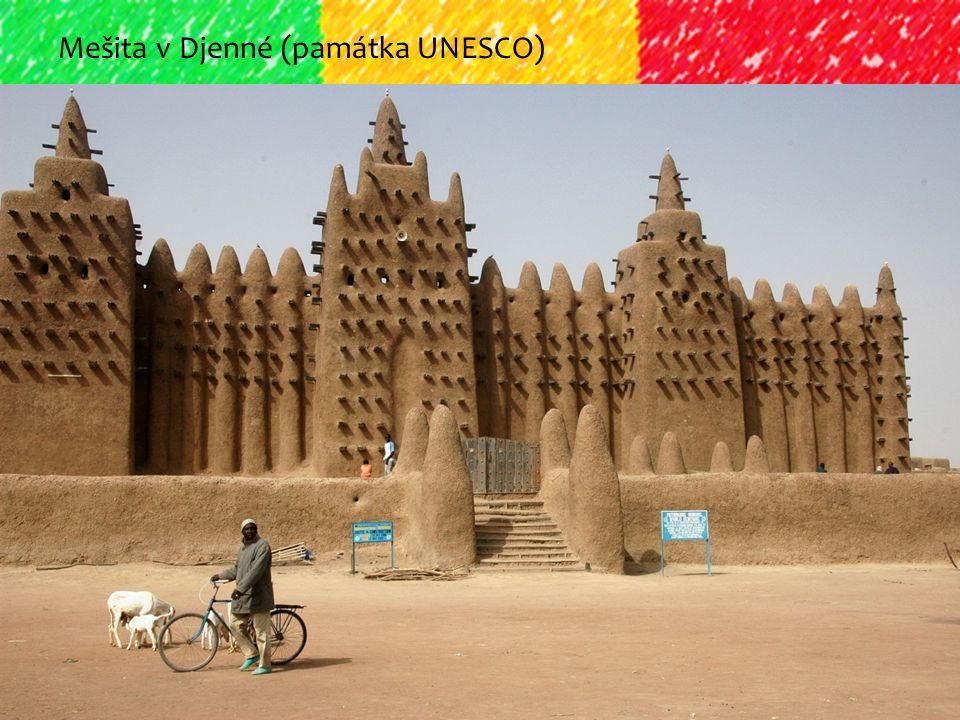 Mešita v Djenné (památka UNESCO)