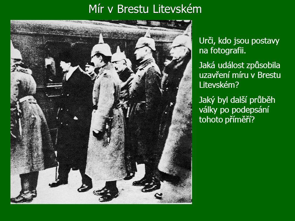 Mír v Brestu Litevském Urči, kdo jsou postavy na fotografii.