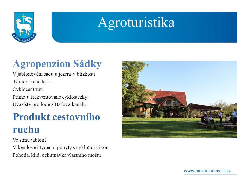 Agroturistika Agropenzion Sádky V jabloňovém sadu u jezera v blízkosti Kunovského lesa.