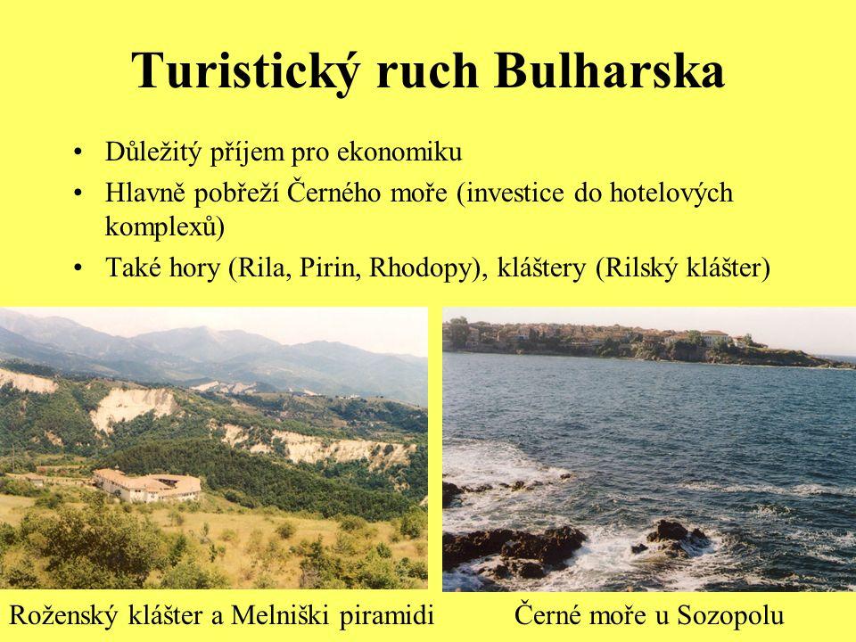 Turistický ruch Bulharska Důležitý příjem pro ekonomiku Hlavně pobřeží Černého moře (investice do hotelových komplexů) Také hory (Rila, Pirin, Rhodopy), kláštery (Rilský klášter) Roženský klášter a Melniški piramidiČerné moře u Sozopolu