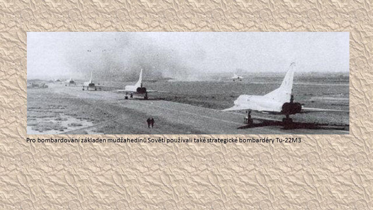 Pro bombardování základen mudžahedínů Sověti používali také strategické bombardéry Tu-22M3