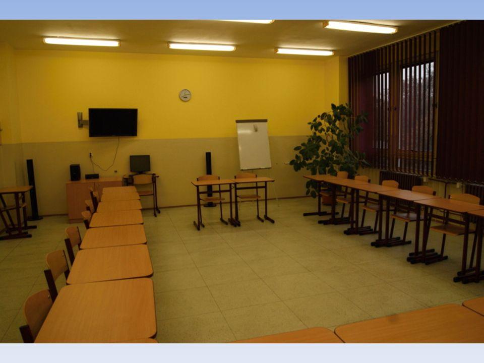 RAKOUSKÉ ZAHRADY A PARKY V termínu 8.8.-15.8.2011 proběhl výjezd čtyř lektorů projektu do Rakouska