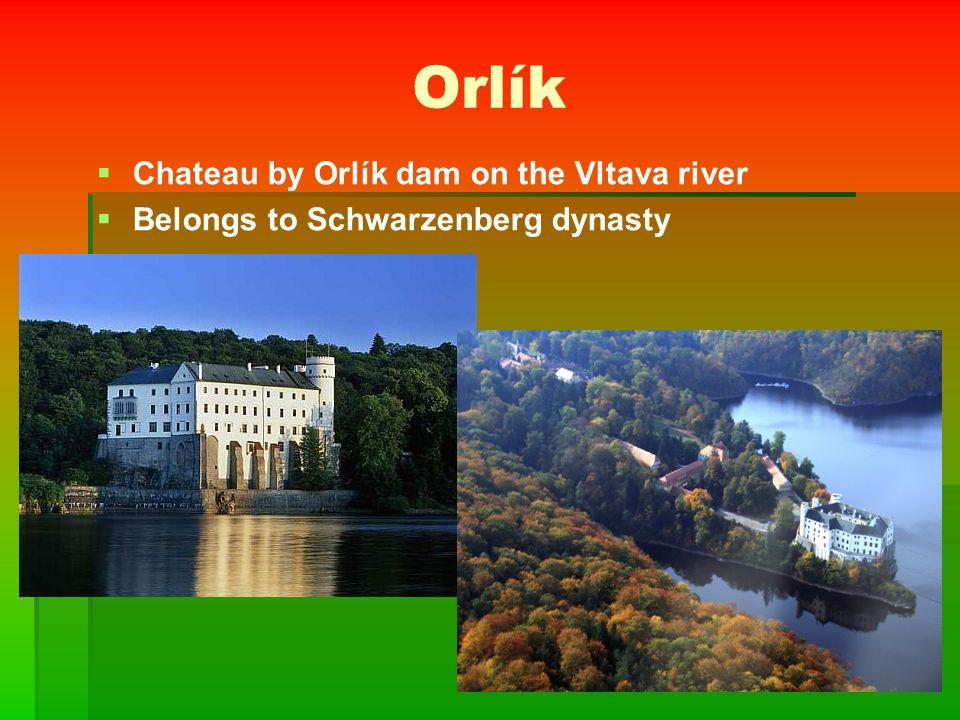 Červená Lhota   Water chateau   Is situated near Jindřichův Hradec   Typical red colour   Do you remember the legend?