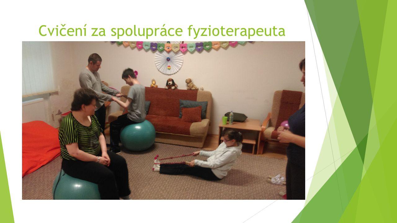Cvičení za spolupráce fyzioterapeuta
