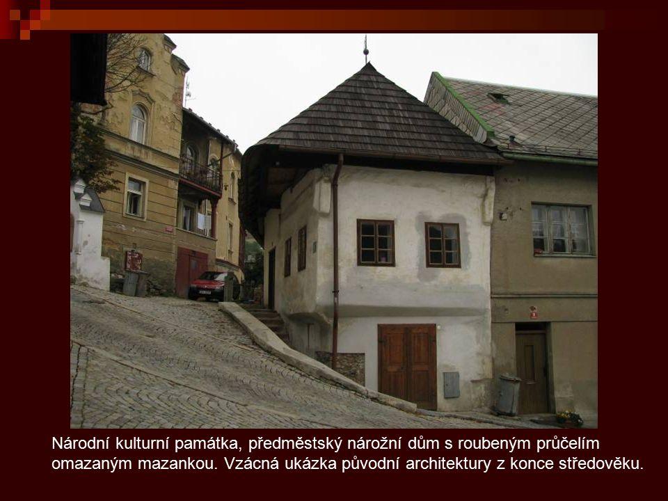 Srubové domy jsou typickou ukázkou šumavské lidové architektury a jejími nejstaršími příklady na Vimpersku.