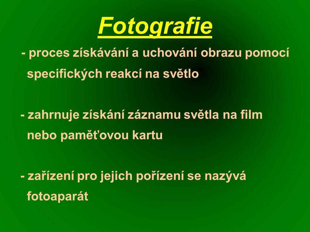 Fotografický proces a) negativní černobílý proces - používá se pro vyvolávání černobílých negativů, používají se negativní vývojky, které vyvolávají pomalu, s nízkým kontrastem a jemnozrnně - součástí procesu je vždy ustalování, tzn.
