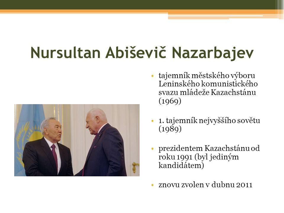 Nursultan Abiševič Nazarbajev tajemník městského výboru Leninského komunistického svazu mládeže Kazachstánu (1969) 1.