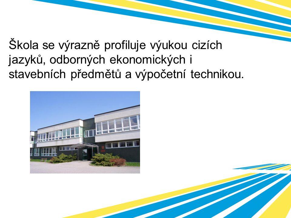 Škola se výrazně profiluje výukou cizích jazyků, odborných ekonomických i stavebních předmětů a výpočetní technikou.