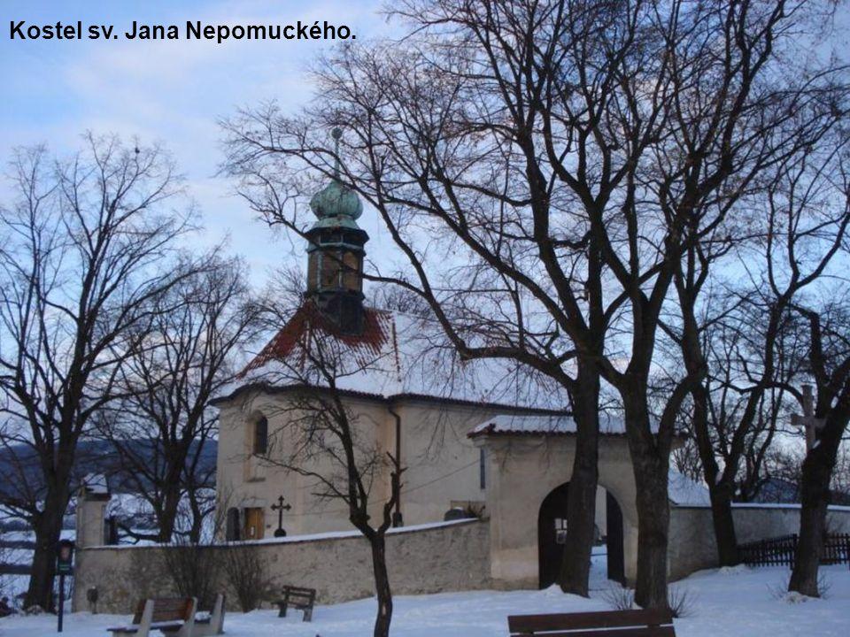 Kostel sv. Jana Nepomuckého.