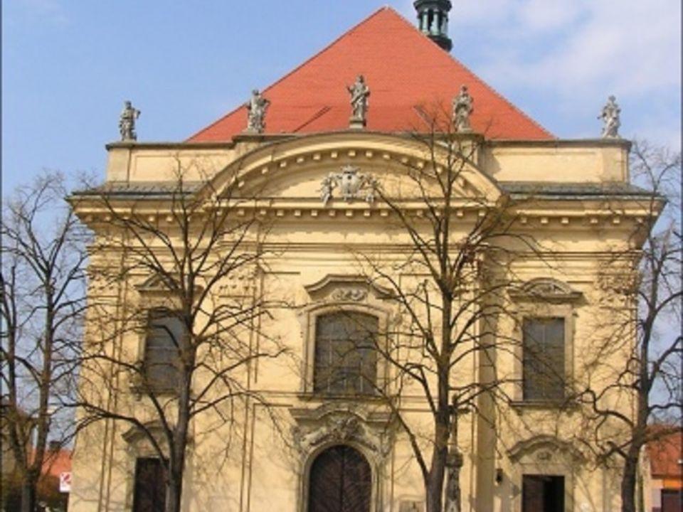  Na místě gotického hradu zaniklého v 17.