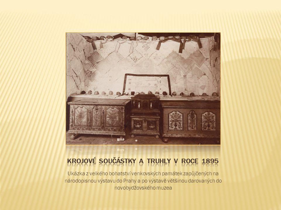 Ukázka z velkého bohatství venkovských památek zapůjčených na národopisnou výstavu do Prahy a po výstavě většinou darovaných do novobydžovského muzea