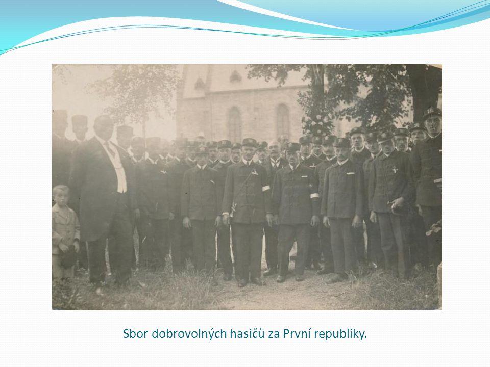 Sbor dobrovolných hasičů za První republiky.