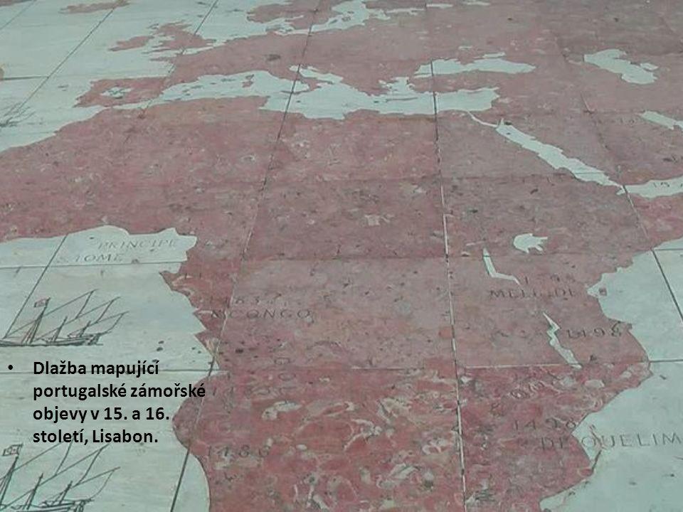 Dlažba mapující portugalské zámořské objevy v 15. a 16. století, Lisabon.