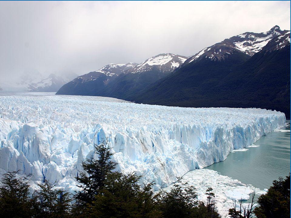 Ledovce Jak vznikají.Nahromaděný sníh se stlačí, vzrůstá jeho hustota, stává se z něj firn.