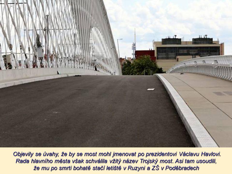 Nepodpírá se o jediný pilíř ve Vltavě. Byly použity nové vysokopevnostní betony i nové technologie.