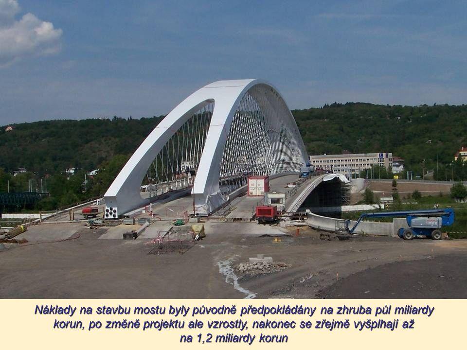 Trojský most se městu dost prodražil