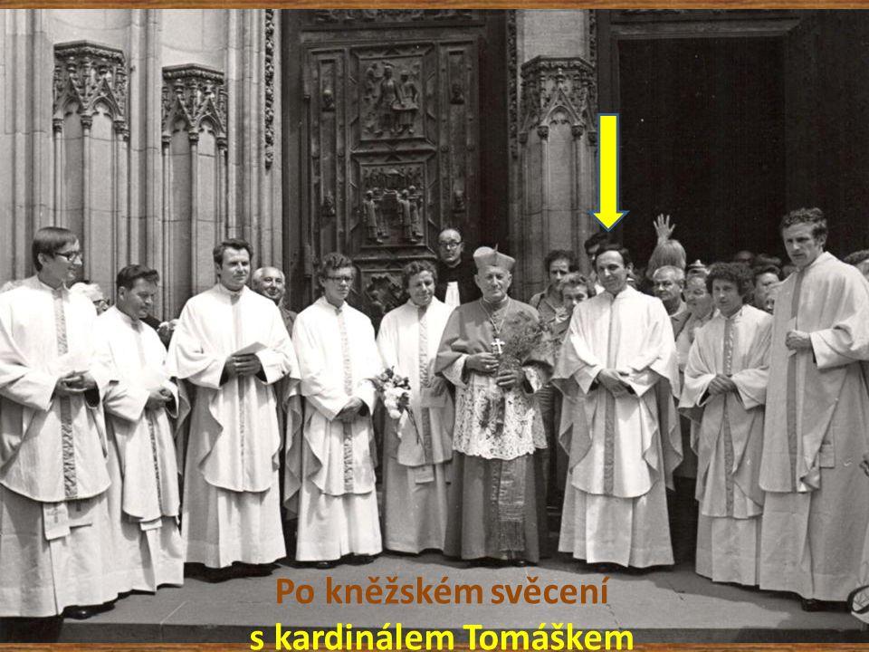 Po kněžském svěcení s kardinálem Tomáškem