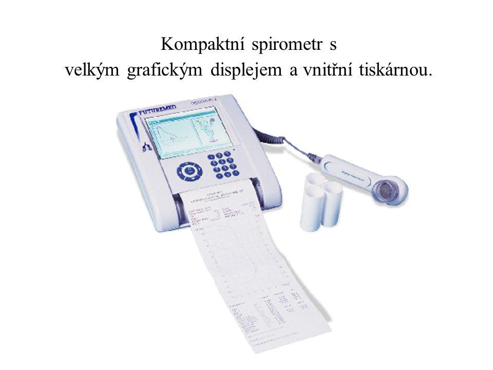 Křivka průtok/objem a paměťové výsledky spirometru se ukáží na obrazovce.