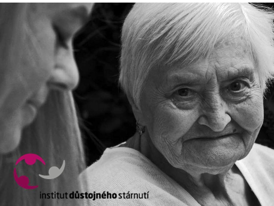 Podněty k podpoře komunitních zdravotně sociálních služeb klíčová úloha obcí a měst ve smyslu zvýšení odpovědnosti obecních samospráv za kvalitu života seniorů a zdravotně postižených občanů: posílení kompetencí a odpovědnosti samosprávných obcí a měst při vytváření podmínek pro podporu komunitních forem péče o nesoběstačné osoby obce jako garant vytváření podmínek pro ucelené komunitní plánování služeb, vyhledávání rizikových lidí a včasného rozpoznávání potřebnosti péče prostřednictvím komunitní (geriatrické) sestry nutnost koordinace podpůrné sítě, poradenství a dlouhodobé péče na úrovni obcí zajištění dostupnosti pečovatelské služby prostřednictvím komunitního centra podpora role komunitní sestry a komunitního sociálního pracovníka Podpořeno z Programu švýcarsko-české spolupráce Supported by a grant from Switzerland through the Swiss Contribution to the enlarged European Union
