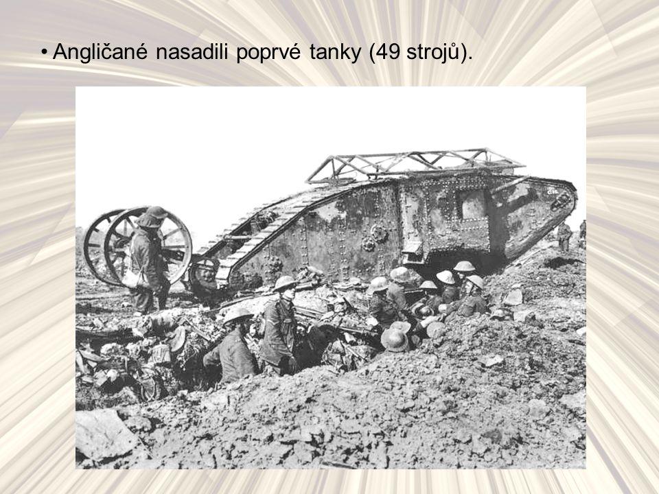 Angličané nasadili poprvé tanky (49 strojů).