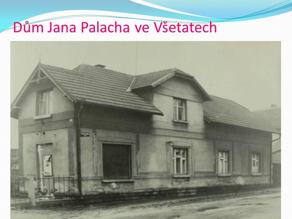 25.2.1969 V Praze se koupil kyselinu, několik lahví benzinového čističe a pastu na parkety, pak si na toaletě potřel celé tělo.