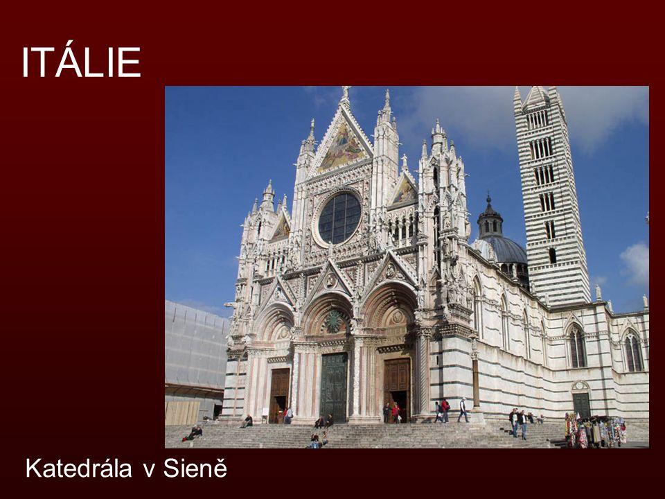 ITÁLIE Katedrála v Sieně