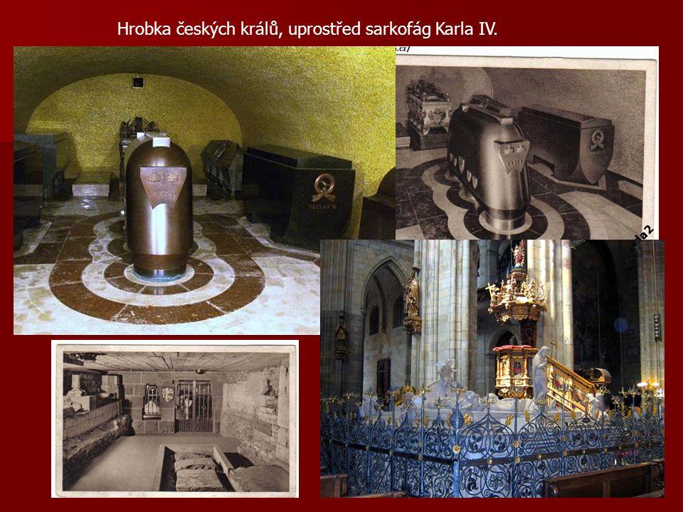 Hrobka českých králů, uprostřed sarkofág Karla IV.