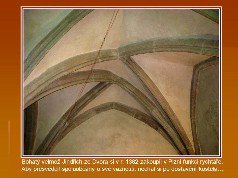 Náhrobní kámen urozené paní Ludmily Honové z Lowenbergu, zemřelé 28.listopadu 1713. Honové z Lowenbbergu byli starou plzeňskou erbovní rodinou a vlast
