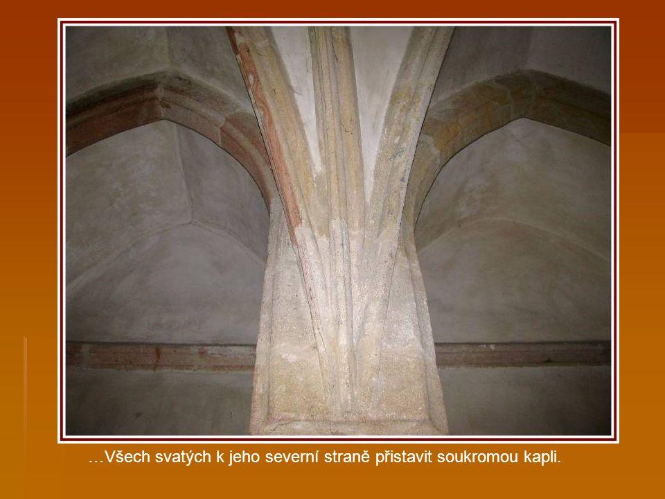 Bohatý velmož Jindřich ze Dvora si v r. 1382 zakoupil v Plzni funkci rychtáře. Aby přesvědčil spoluobčany o své vážnosti, nechal si po dostavění koste