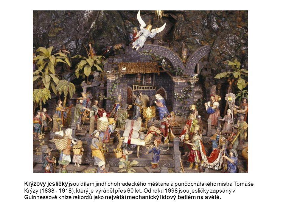 Krýzovy jesličky jsou dílem jindřichohradeckého měšťana a punčochářského mistra Tomáše Krýzy (1838 - 1918), který je vyráběl přes 60 let. Od roku 1998