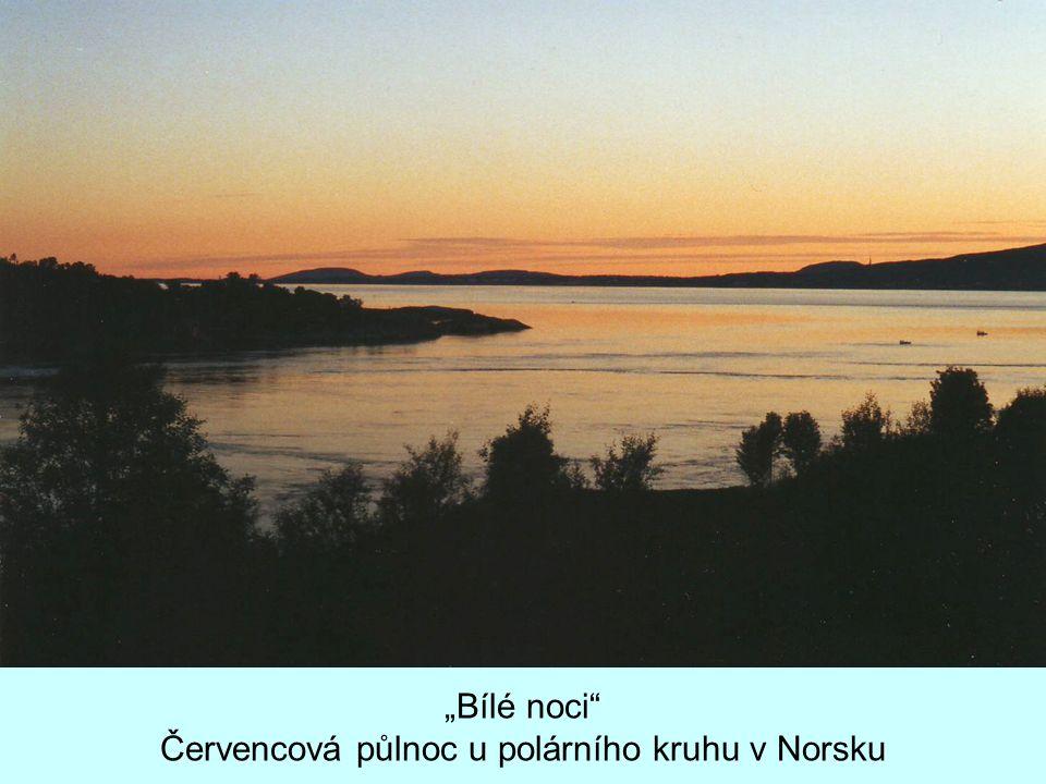 """""""Bílé noci"""" Červencová půlnoc u polárního kruhu v Norsku"""