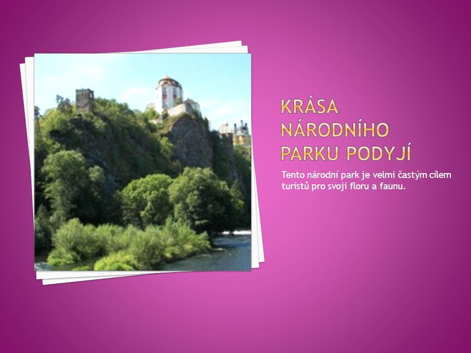 Tento národní park je velmi častým cílem turistů pro svoji floru a faunu.